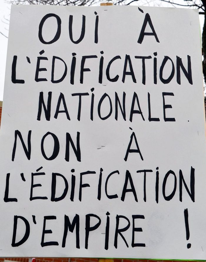http://www.cpcml.ca/francais/Images2017/Slogans/160501-Montreal-PremierMai-14.jpg