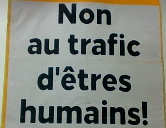 http://www.cpcml.ca/francais/Images2019/Slogans/NonAuTraficDEtresHumains2.JPG