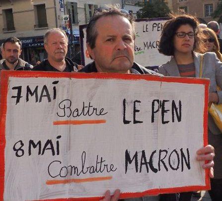 170429-FrancePerpignanProtestbothPenMacronCr canada dans - ELECTIONS